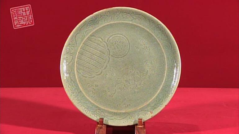 青磁の大皿