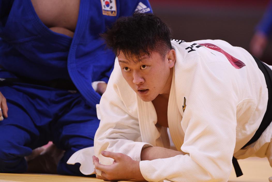 男子100キロ超級 原沢久喜 準決勝で敗れ、3位決定戦へ【五輪柔道】