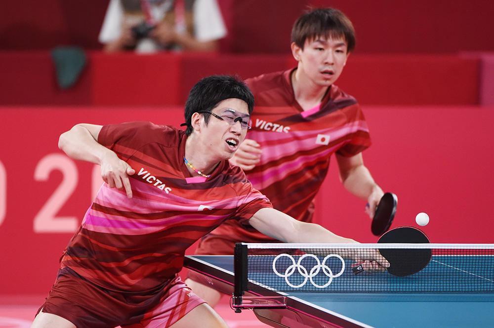 日本男子 丹羽・水谷ペア敗れる ドイツに先制を許す【五輪卓球 団体】
