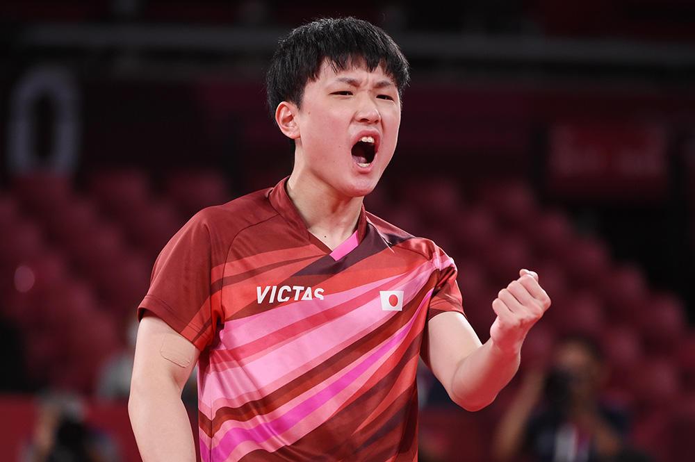 張本智和 エース対決で逆転勝利!日本、ドイツと1勝1敗に【五輪卓球 団体】