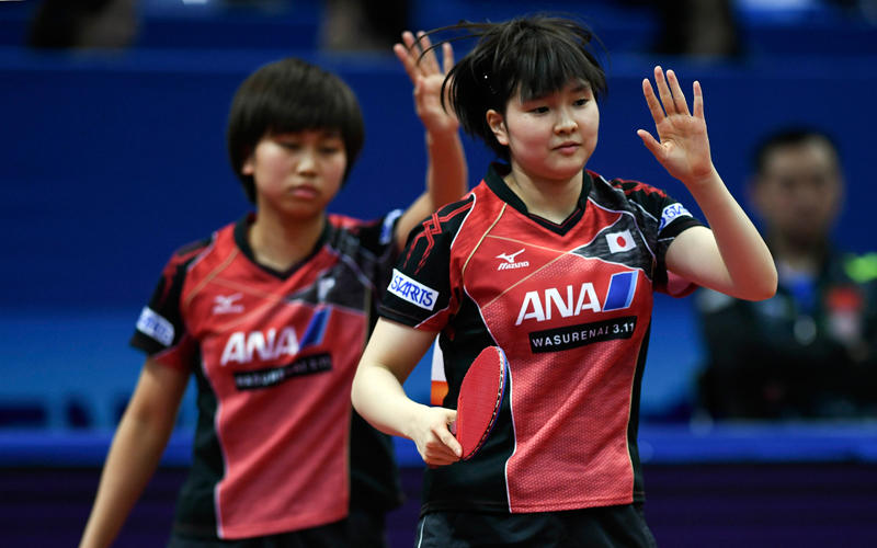 佐藤瞳(左)/橋本帆乃香(右)写真:新華社/アフロ