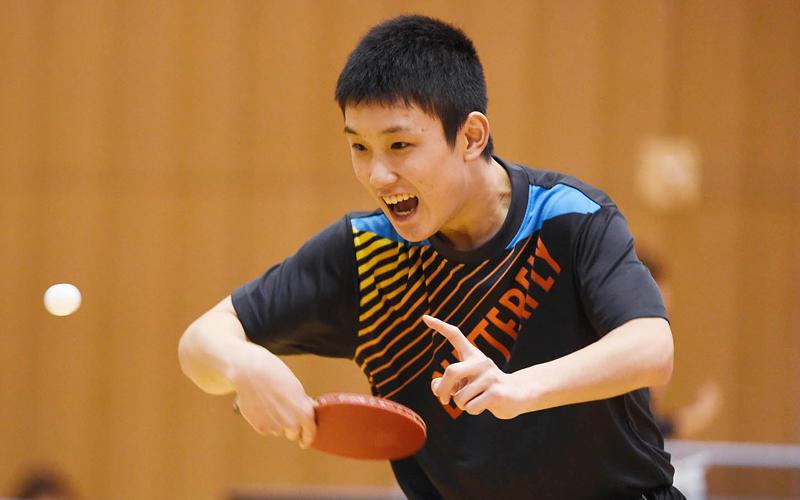 前日練習を行う 張本智和 Photo:Itaru Chiba
