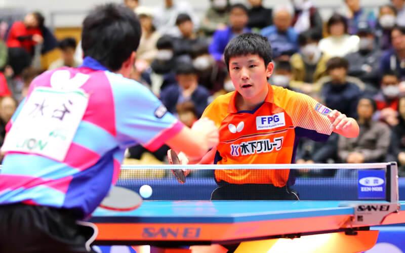 水谷隼vs張本智和 写真:西村尚己/アフロスポーツ