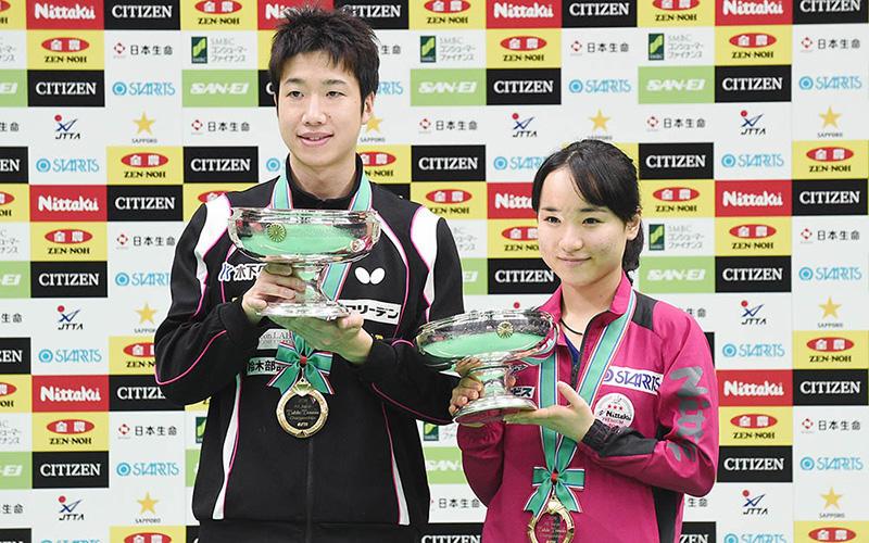 全日本卓球選手権大会 優勝の水谷隼、伊藤美誠実 Photo:Itaru Chiba